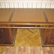 Письменный, компьютерный столы натурал.кожа Genovevа Испания, в Москве