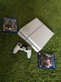 Приставка PS4 500gb, белая, идеальное состояние, Плюс две и, в Москве
