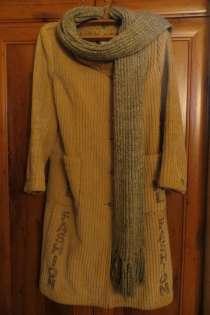 Пальто с шарфом, в г.Невинномысск