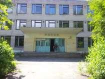 Здание школы, в Москве