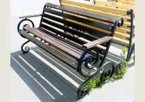 Красивая кованая скамейка, в Санкт-Петербурге