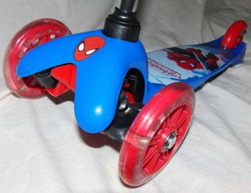 Самокат Spider-Man трехколесный , светящиеся колеса PVC в Москве Фото 2
