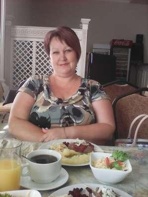 Лена, 40 лет, хочет пообщаться
