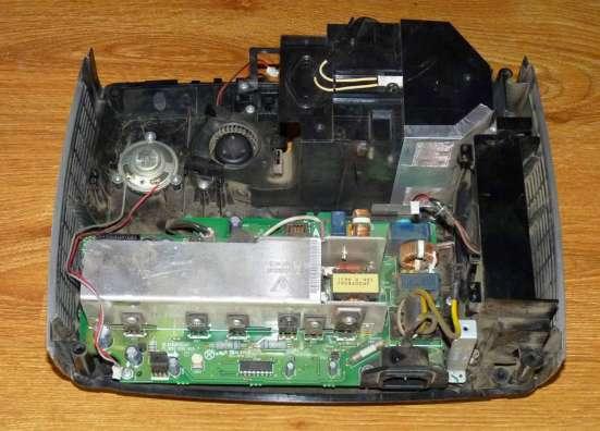 Проектор Infocus IN26 в разобранном состоянии
