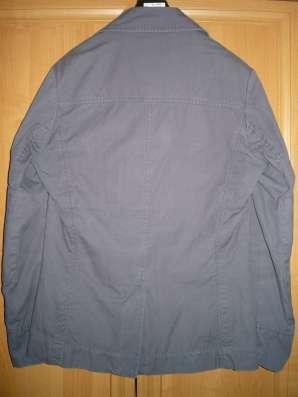 Стильная легкая куртка H&M (M) в Москве Фото 2