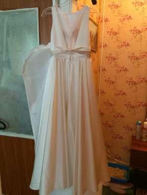 Продам платье)атласное, Айвори цвет в Москве Фото 2