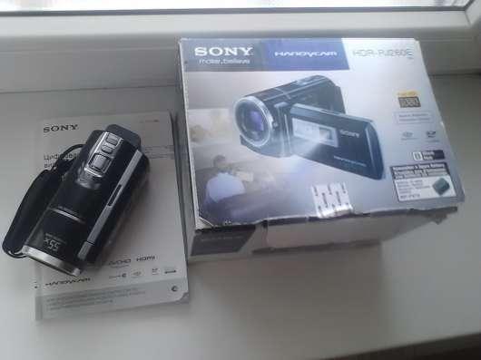 Продам новую видеокамеру SONY