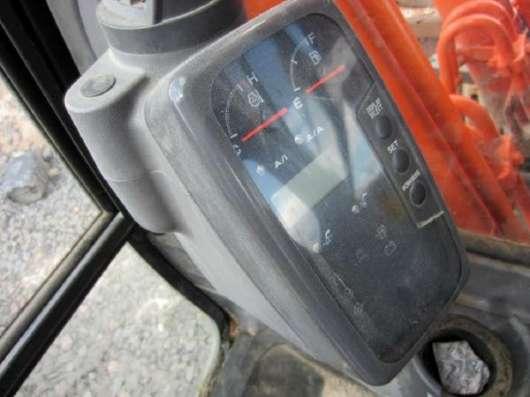 Гусеничный экскаватор HITACHI ZX200, 2011 г, 3900 м/ч