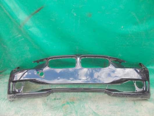 Передний оригинальный бампер BMW f30
