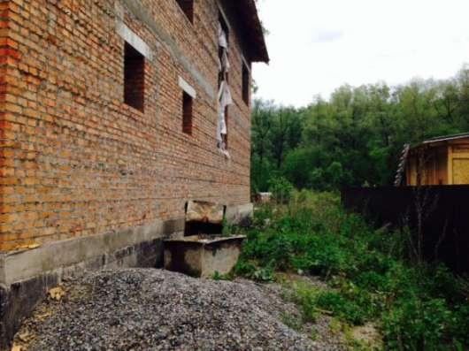 Недостроенный дом в Горно-Алтайске Фото 1
