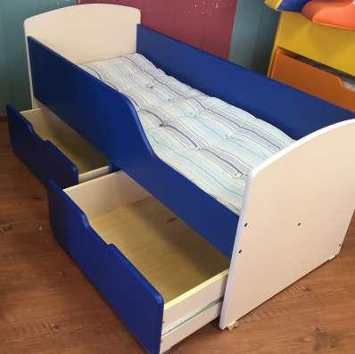 Кровать с ящиками в наличии