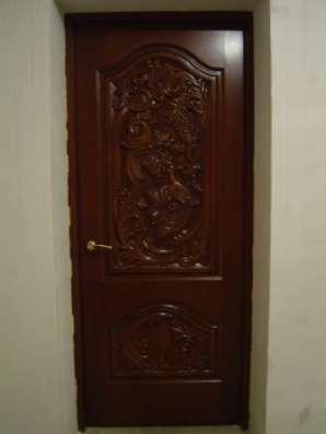 Двери резные из благородных пород.