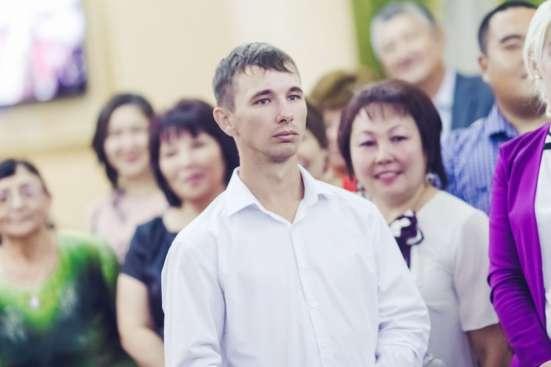 Дмитрий, 25 лет, хочет познакомиться
