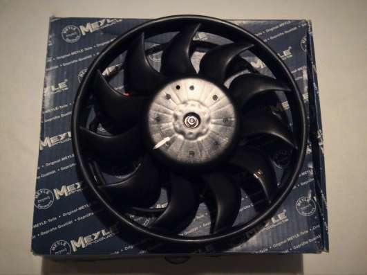 Вентилятор радиатора 1002360037 Meyle AUDI A4, A6
