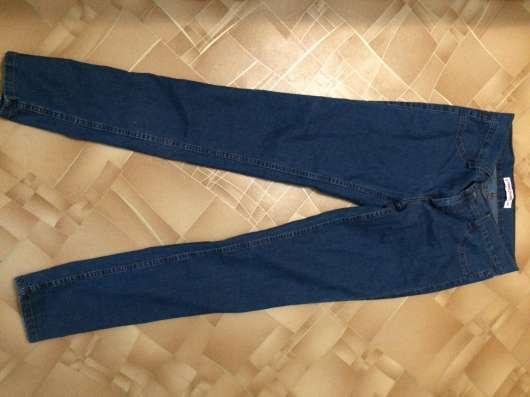 """Продаю новые джинсы фирмы """"Gloria Jeans """",цена 800руб"""