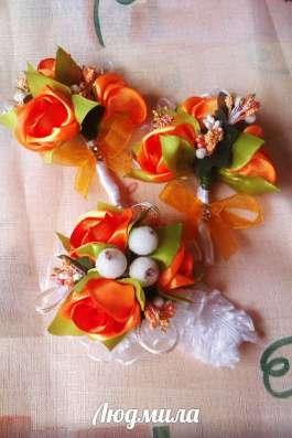 Гребешки. подвязки, бутоньерки на свадьбу ручной работы