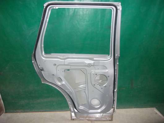 Дверь Land Rover Sport1(05-13 гг.)-серебристая