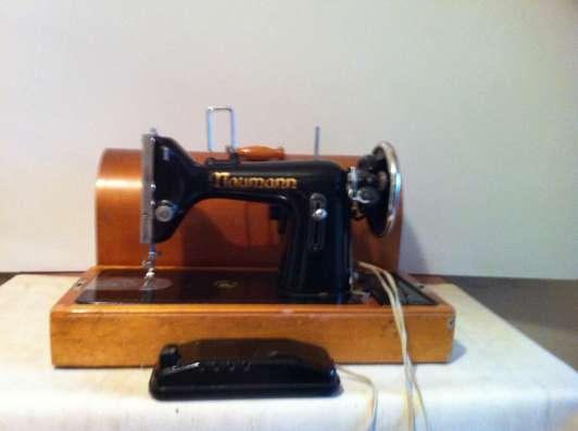 Швейная машина с электрической педалью. Науман 14