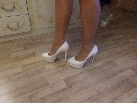 Продам белые кожаные туфли 40р в Сочи Фото 2