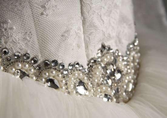 Свадебное платье новое с маленьким рукавчиком
