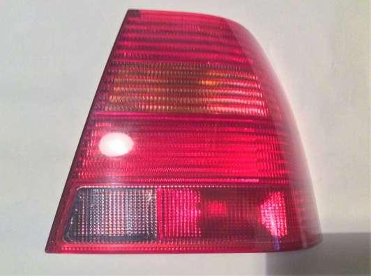 Фонарь зад. R VW bora 98- hella 9EL963670091