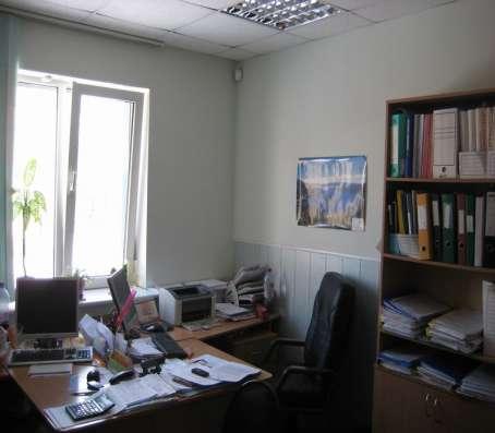 Продаю отдельно стоящее 2-этажное здание с участком в Центре в Петрозаводске Фото 1
