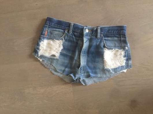 Джинсы-шорты-джемпера-платья-футболки