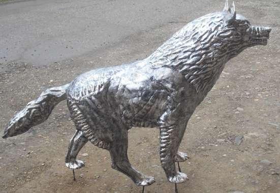 Волк из металла