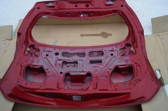 Тойота РАВ-4 2013 г. задняя крышка багажника