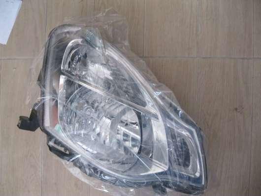 Фара правая Nissan Almera (G15)