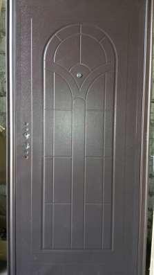 Продаются металлические входные двери