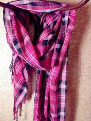шарф в клетку розовый