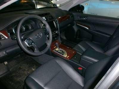 автомобиль Toyota Camry