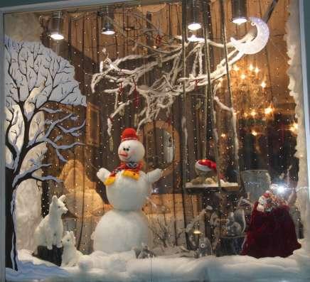 Оформление витрин, мест продаж к Новому Году и праздникам