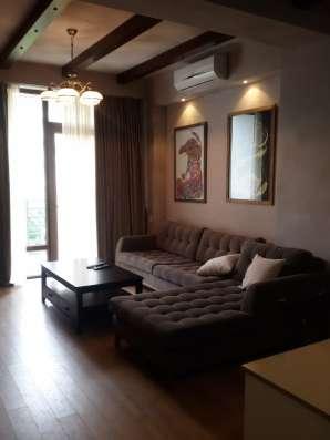Продается 2-комнатная квартира в сентреТбилиси смеюелбю