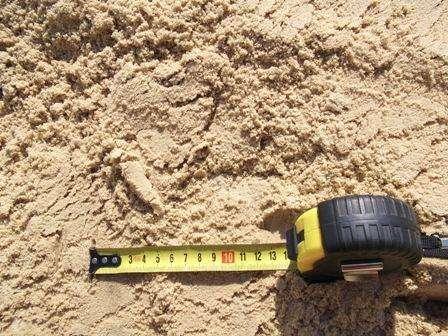 Продаём песок для строительных работ.