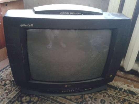 Продам телевизор в не рабочем состояний