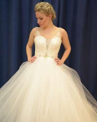 Пышное свадебное платье со шлейфом в Москве Фото 1