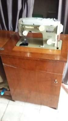 Продам швейную машинку в г. Харьков Фото 1
