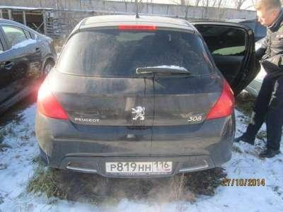 автомобиль Peugeot 308