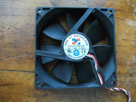 Внутренний вентилятор для компьютера