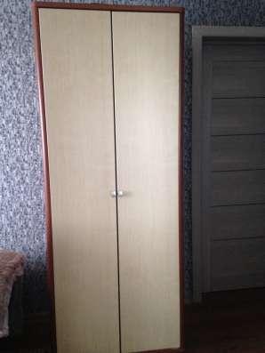 Комод, шкаф и столбик для книг