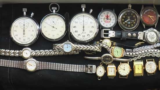 Часы в ремонт или на запчасти, кварцевые и механика, двое на