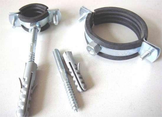 Скоба металлическая однолапковая 8-9 мм
