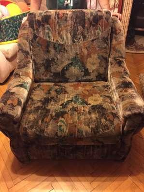 Кресло-кровать в хорошем состоянии