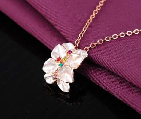 Кулон Белая Орхидея