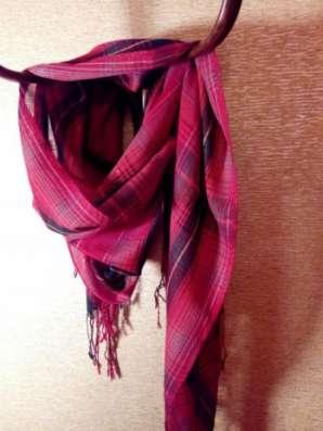 шарф красный в клетку